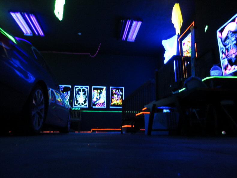 Black Light Bedroom Ideas Part - 22: Blacklight Rave Party
