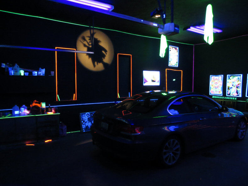 Blacklight Party Mancave at Night : garage party decorating ideas - www.pureclipart.com